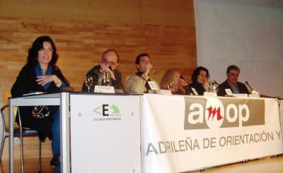 Mesa redonda: MODELO DE ESCUELA- MODELO DE ORIENTACIÓN